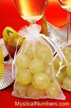 12 New Year Grapes